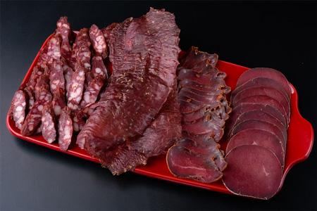Навалом в'яленого м'яса